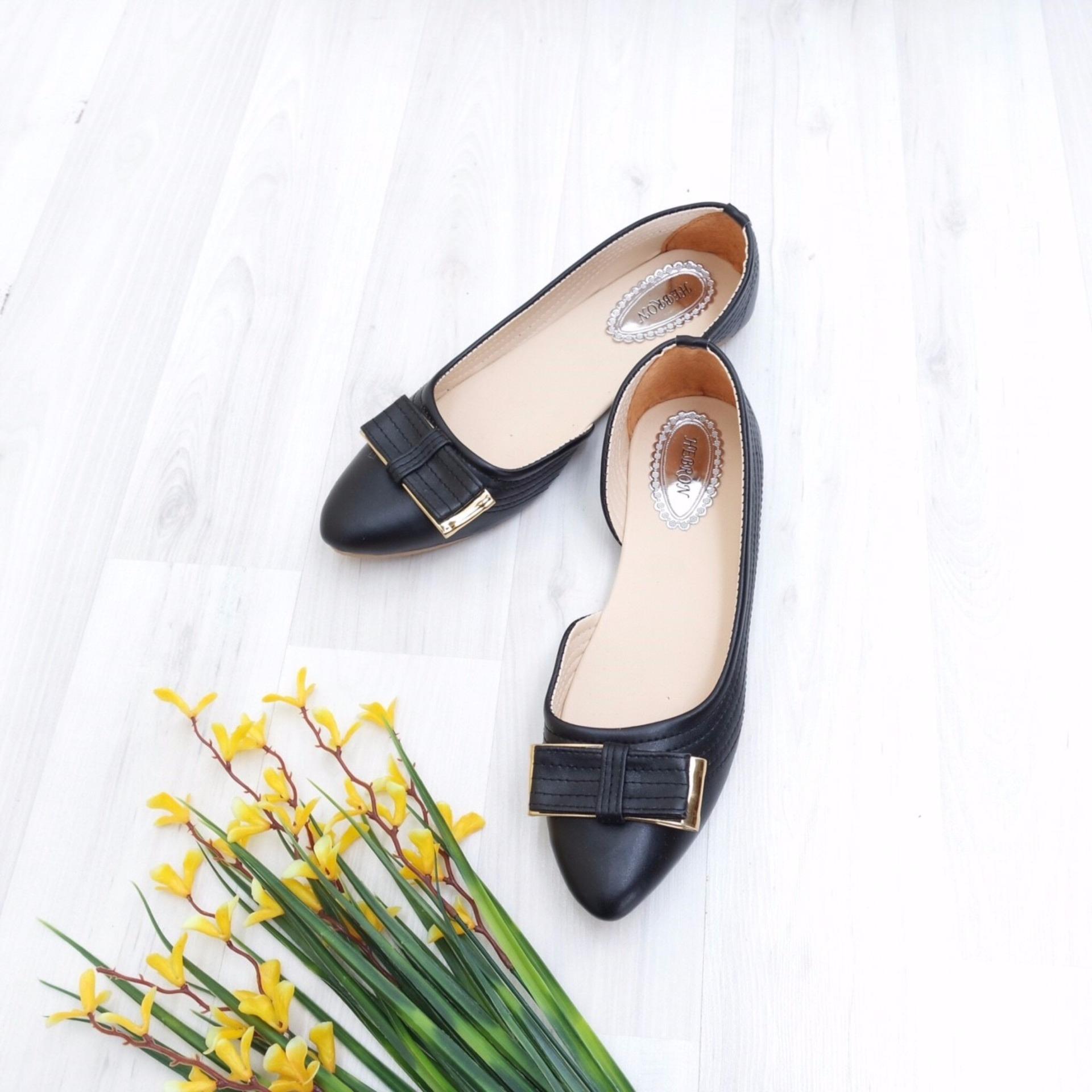 KelinciMadu-Half Ribbon Flatshoes-Black .
