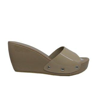 Gambar Khalista Wedge Sandals Women Varo Strap Suede Cream Merk: Khalista Collections