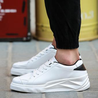 Korea Fashion Style Laki-laki Sepatu Sol Tebal Sepatu Trendi Laki-laki Sepatu (S621 putih)