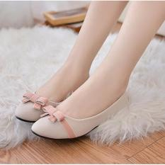 Maryjanes Cream Flatshoes with bowknot