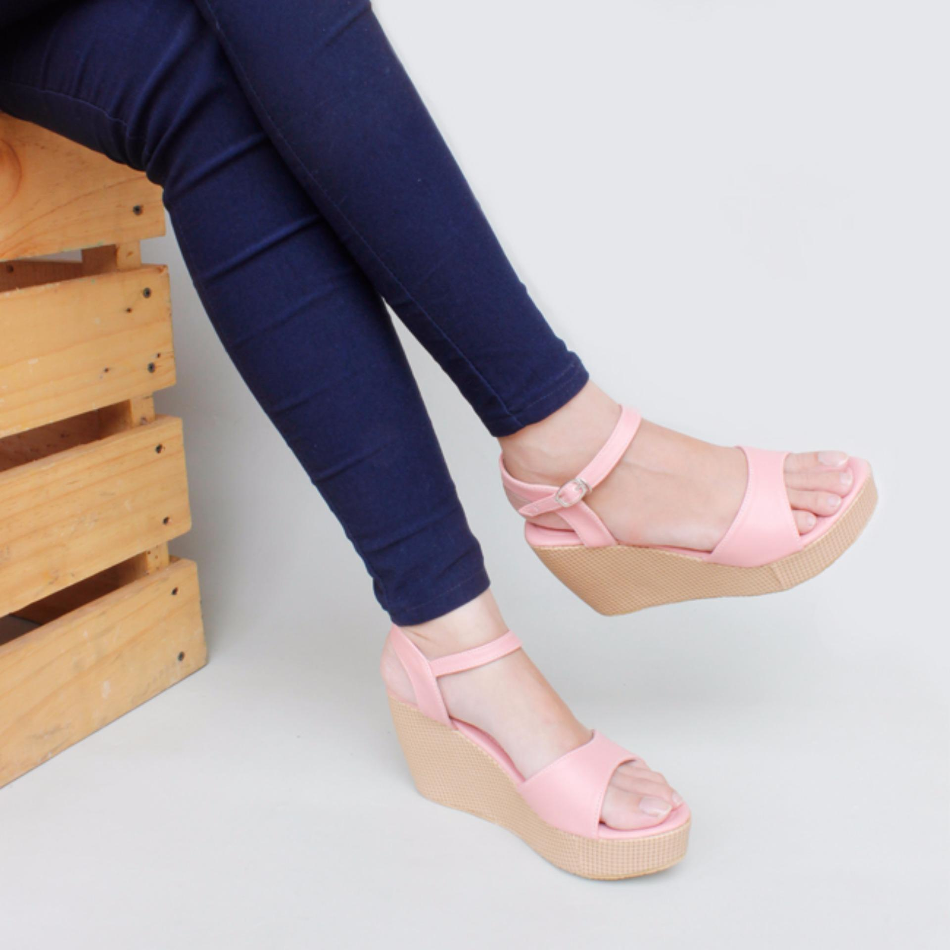 ... Moya Sepatu Wanita Wedges Ankle Strap CY07 - Salem ...