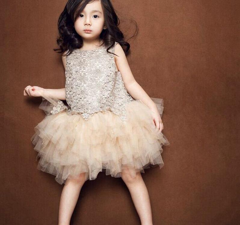 Putri gadis kasa baru gaun (Sampanye)