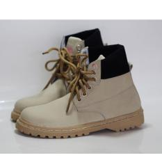 sepatu boots safety girl crem