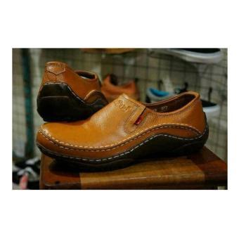 Sepatu Casual Pantofel Kickers Pria Kulit Asli