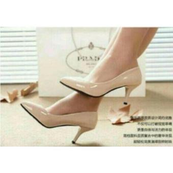 Sepatu Hak Tinggi Pantofel Wanita Heel Heels Pantopel Glossy Polos Cream HB04