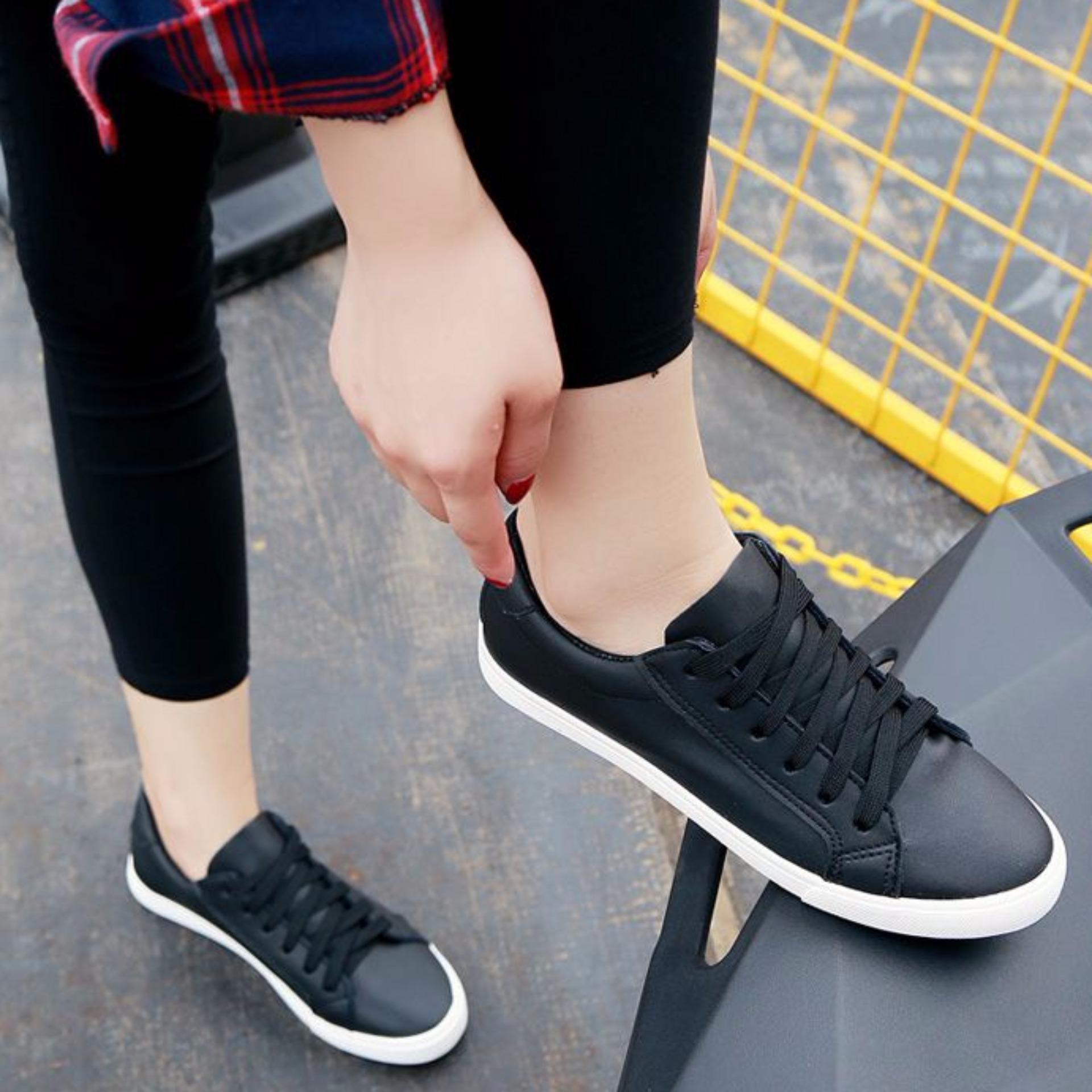 Flash Sale Sepatu Kets Casual Polos SC11 Hitam