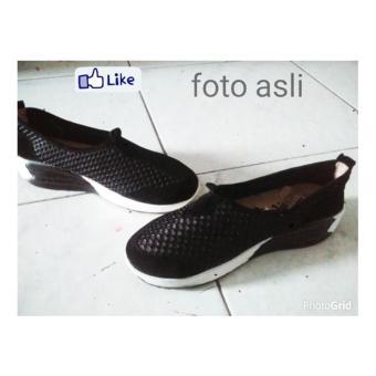 Sepatu Slip On Wanita Jala Hitam Alas Putih Harga Murah - 2