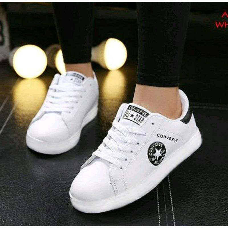 Sepatu Sneaker Wanita Star Putih Andi