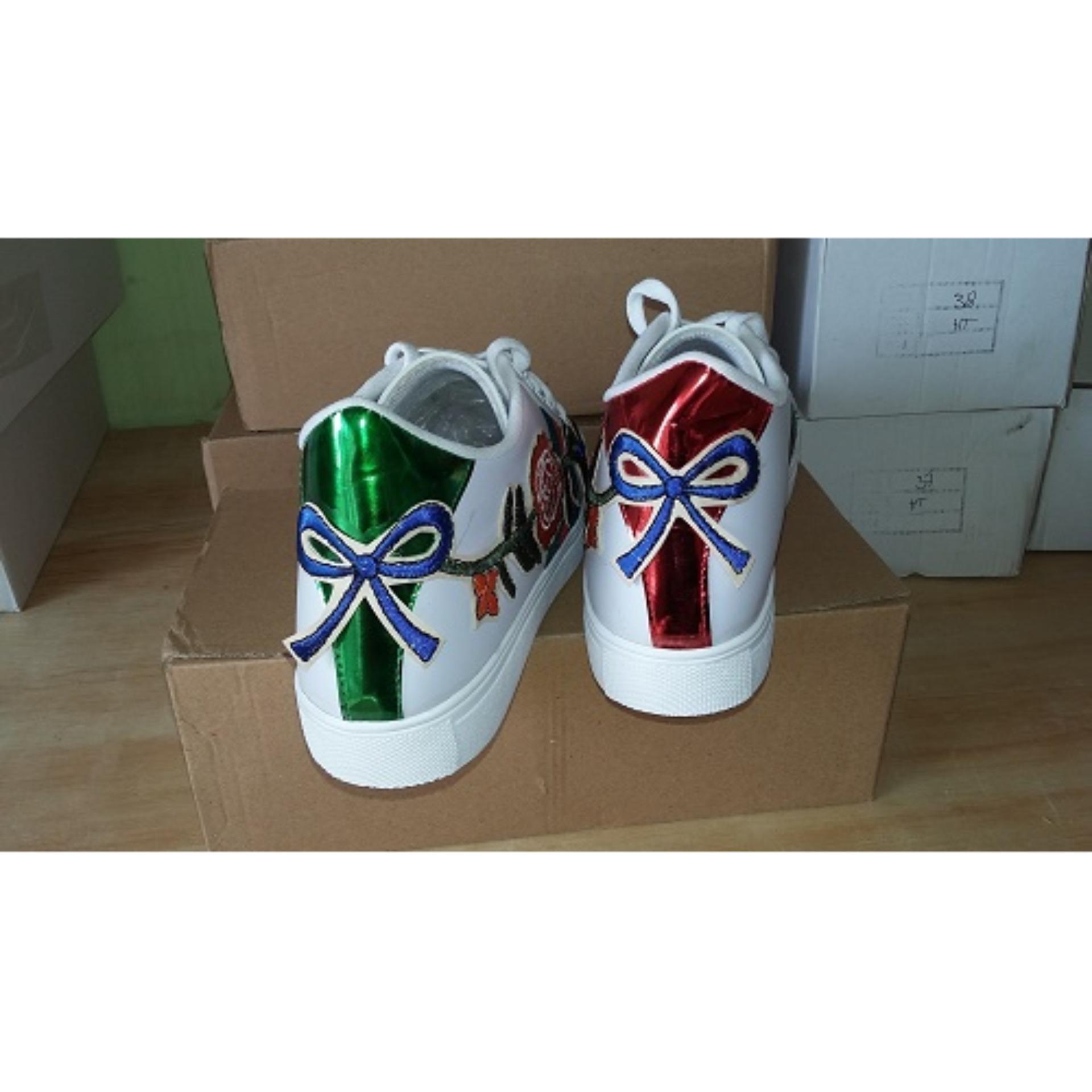 Sepatu Wanita Kets Casual YF35 Putih