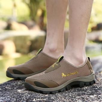 Tahan lama Sepatu Olahraga Luar Ruangan Pria Super Bernapas Sepatu Jala Sepatu Hiking Lembut Sepatu Berjalan