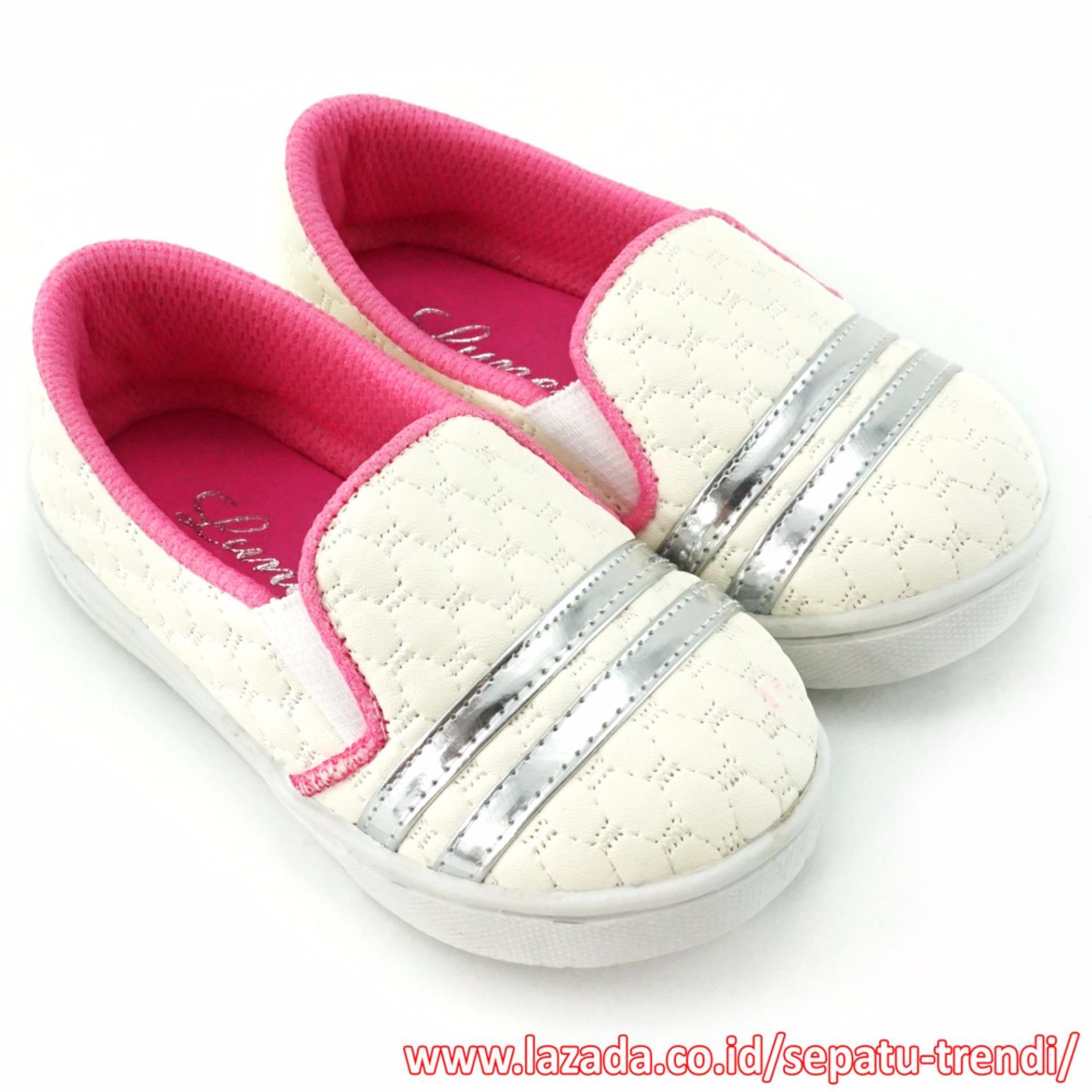 TrendiShoes Sepatu Anak Bayi Perempuan Slip On Cantik Elegan PLAG - Putih .