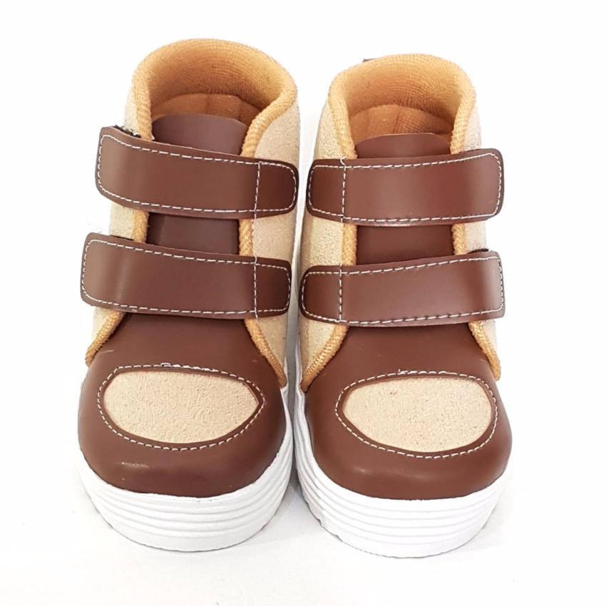Harga TrendiShoes Sepatu Boot Anak Laki-Laki Star Suede STARSMP - Beige  Brown Murah  ae678a4397