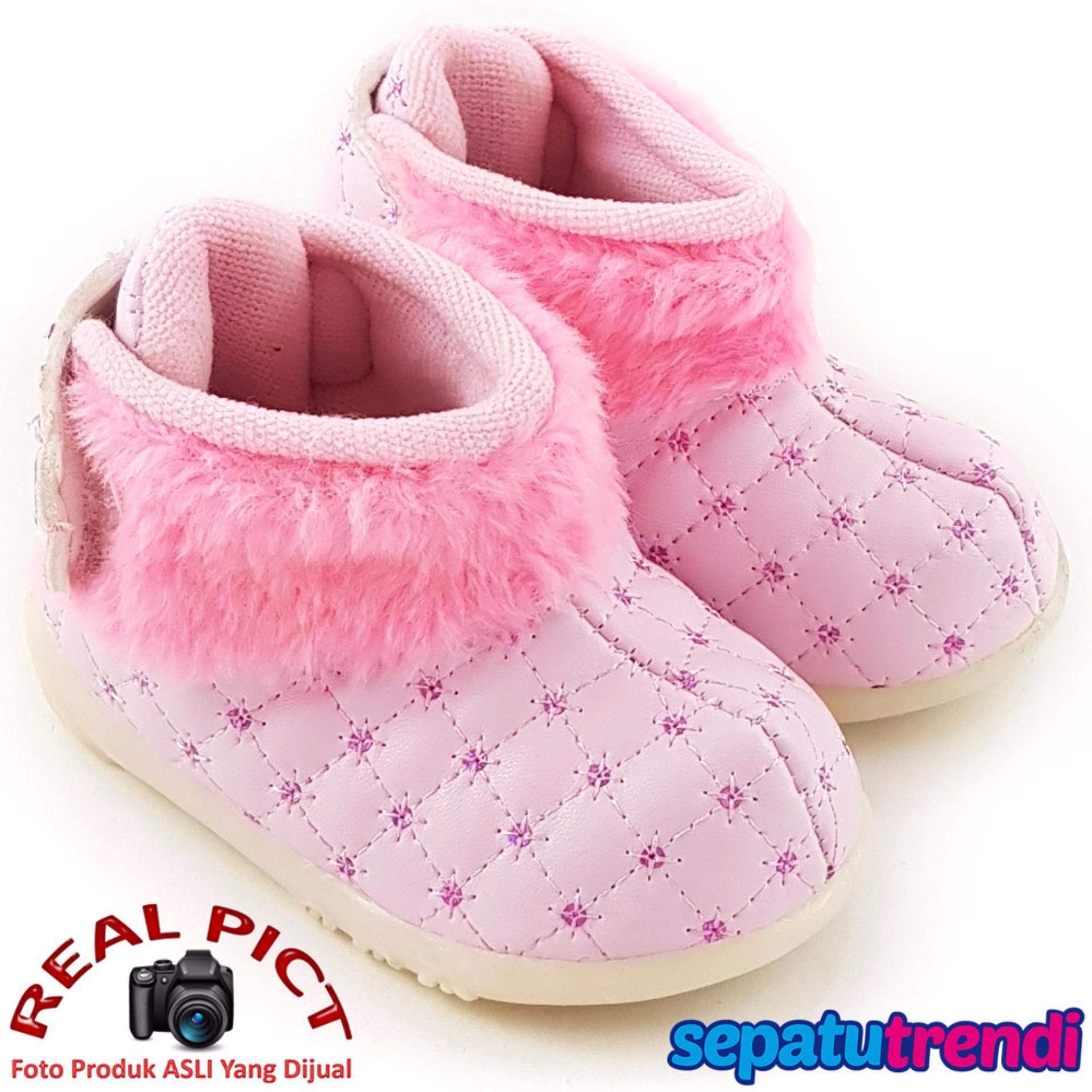 TrendiShoes Sepatu Boot Bayi Anak Perempuan Variasi Bulu TTWJ - Pink .