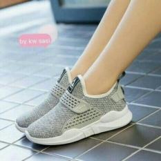 Ubutik Sepatu Slip On Wanita Sneakers JR