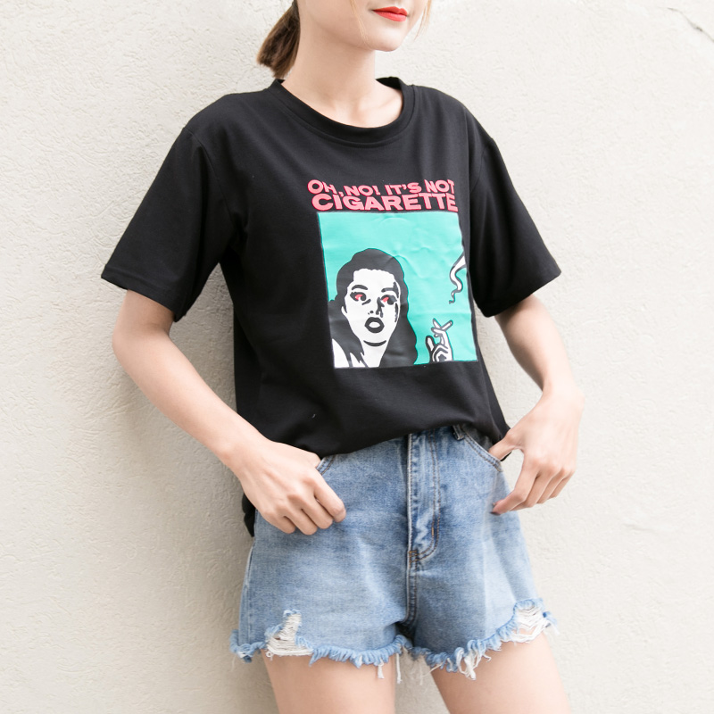 Versi Korea dari ukuran besar leher bulat pencetakan kartun bottoming kemeja longgar lengan pendek t-
