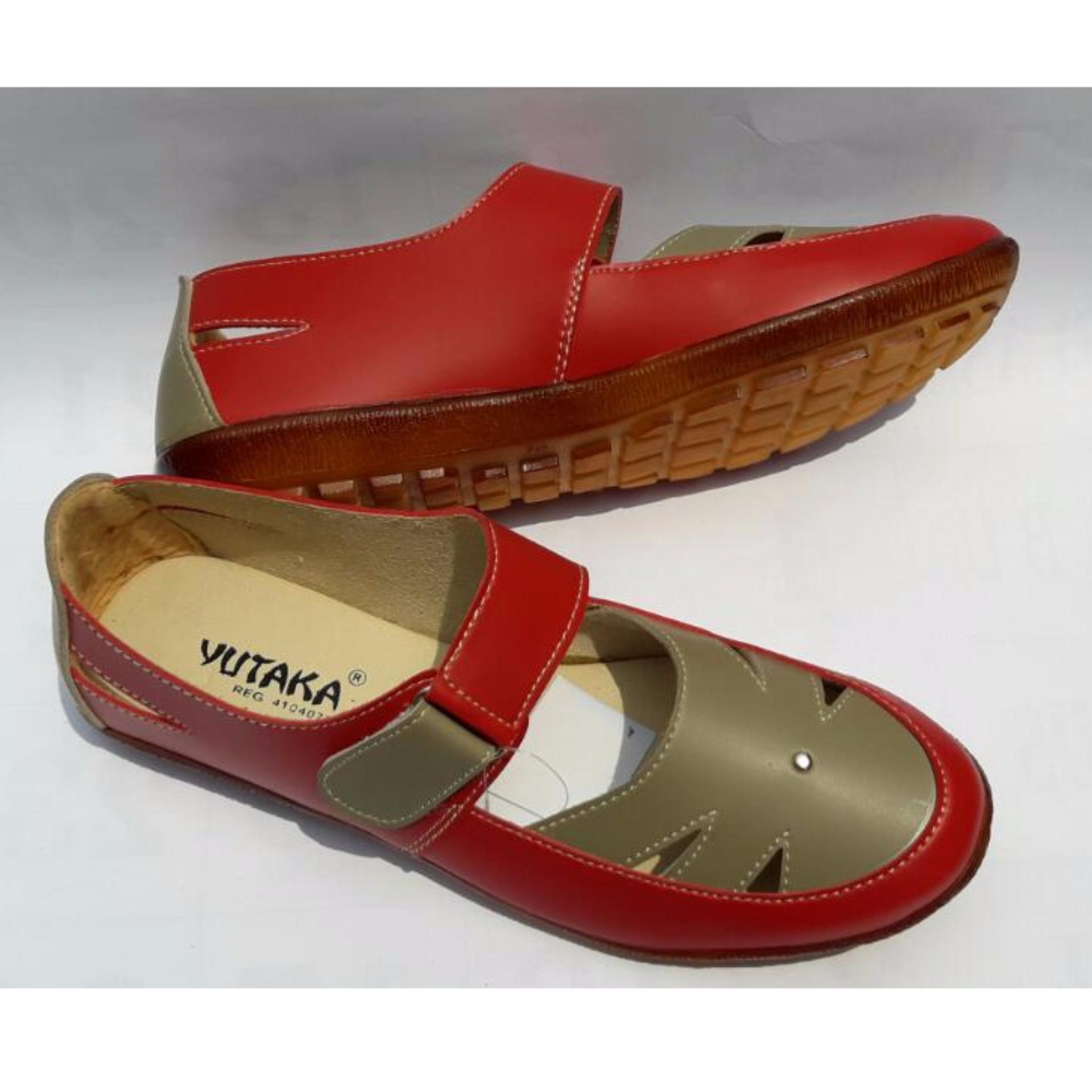 Yutaka Flat Shoes Merah .