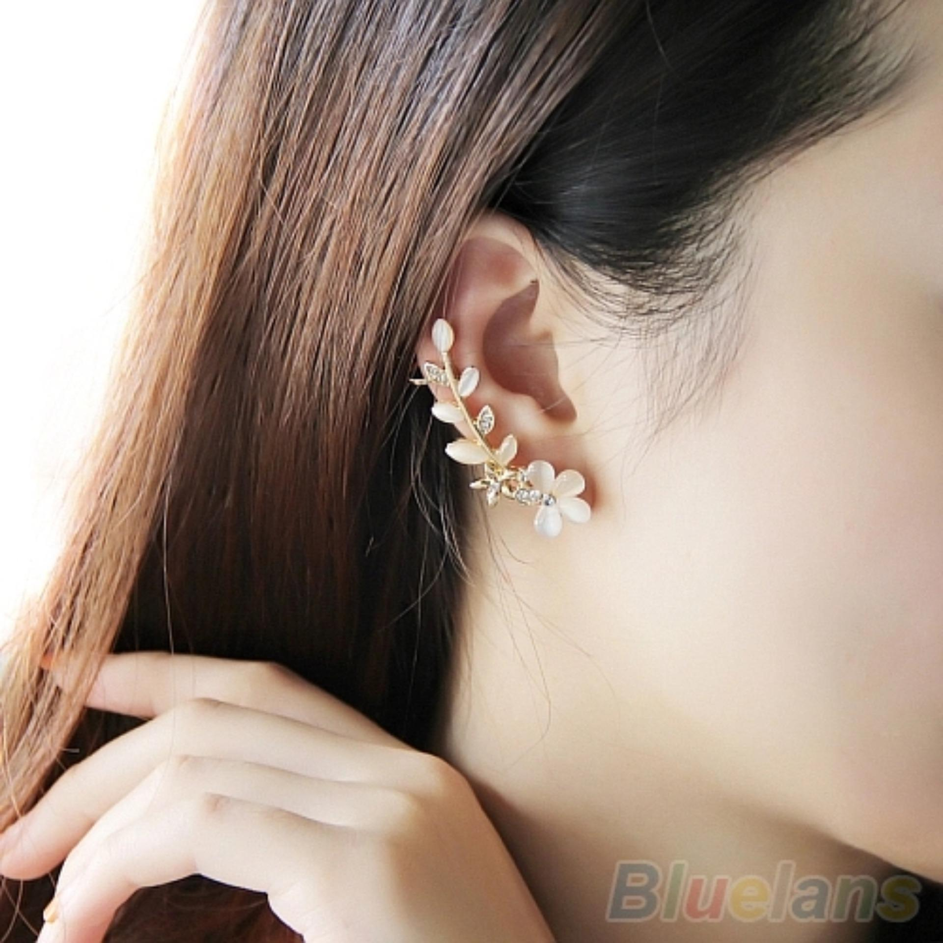 Amefurashi Anting Korea Crystal Opal Flower Clip Earring Beauty .