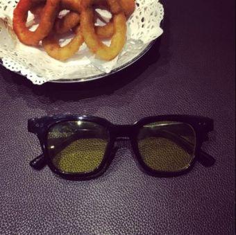 Big Bang tren ayat yang sama kotak kacamata hitam kacamata hitam