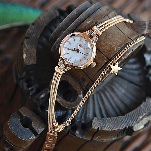 ... Cheap online Julius Korea Fashion Style Sangat Kecil Lempeng Arloji Jam  Tangan Gelang Jam Tangan f6b02a1051