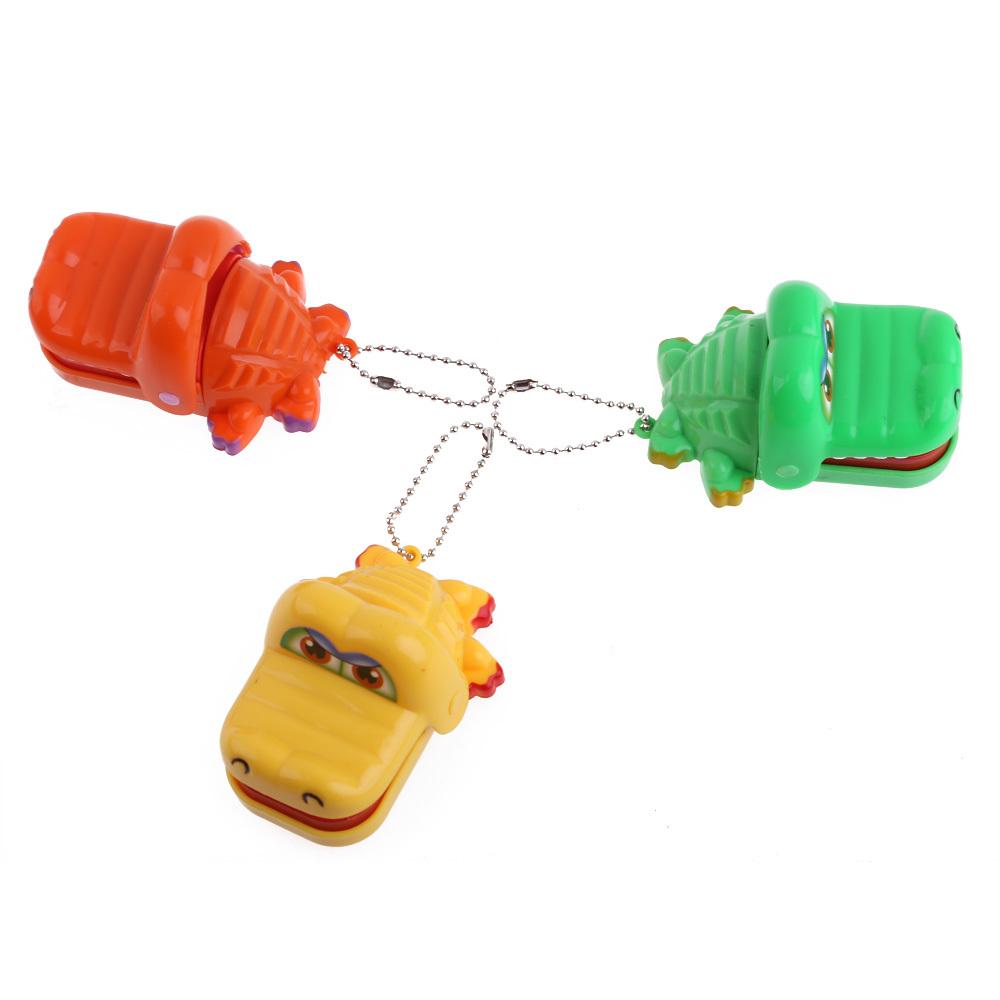 New kartun mainan hewan buaya gigi menggigit dengan gantungan kunci mulut .