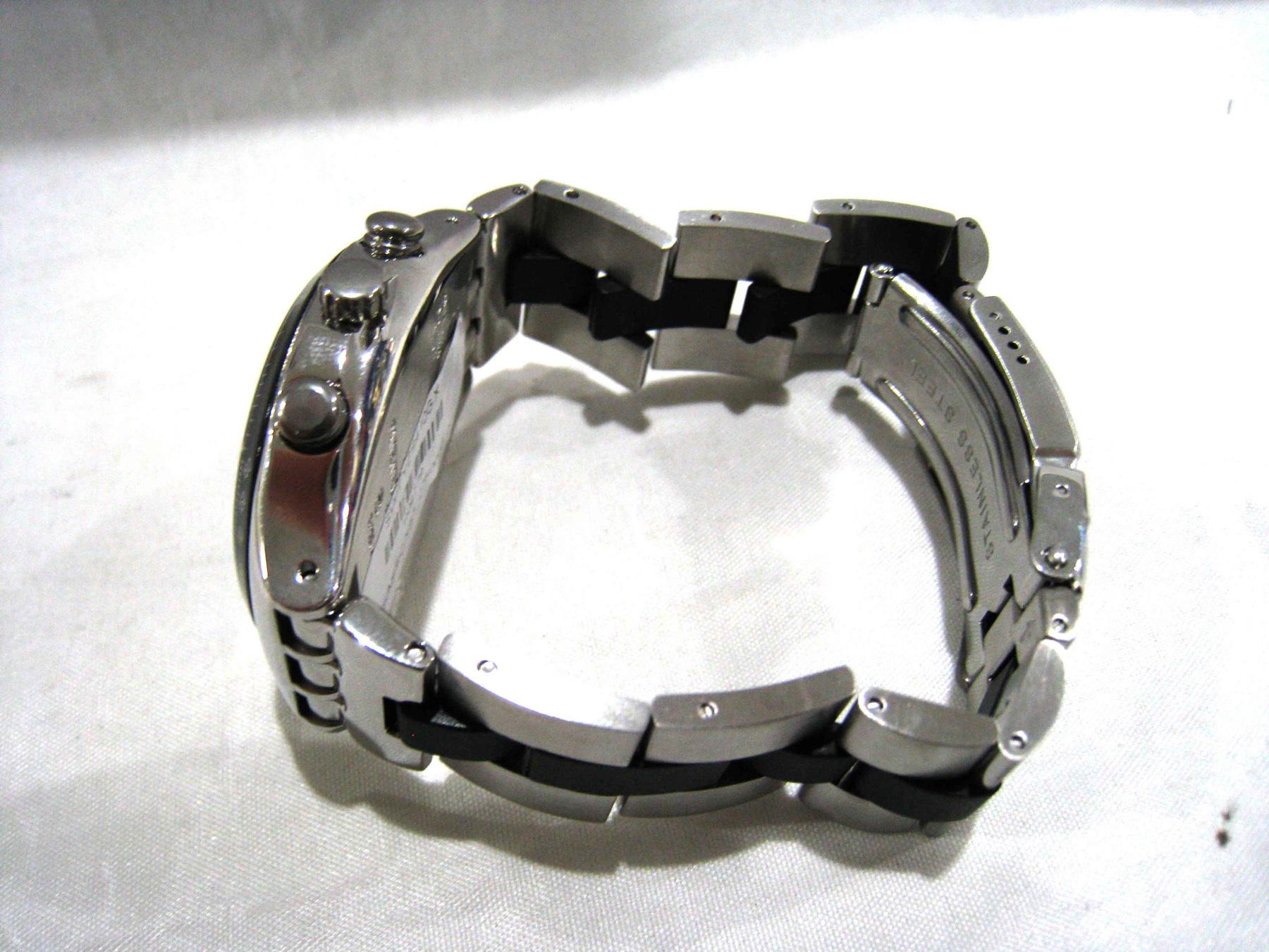 Swatch Jam Tangan Pria Silver Hitam Stainless Steel Ycs410gx Original 100  Suts401 Sistem Blue Black Ampamp