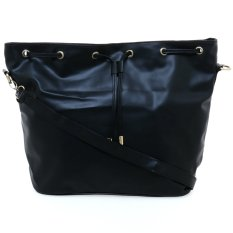Zada Anne Sling Bag - Hitam
